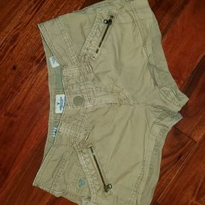 American eagle shorts with 4 pockets
